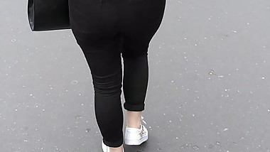 Very tight jeans walking