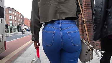 Candid round ass teen in tight jeans