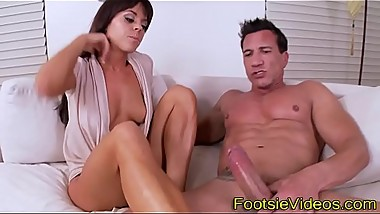 Teenager gives footjob