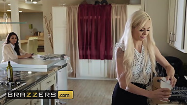Hot And Mean - Elsa Jean Katana Kombat - Assistant Fail