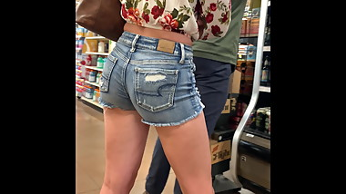 Fantastic Ass n Jean Shorts