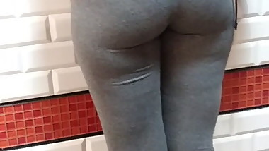 College girl in grey leggins putting on a show for me! Nice