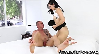 Stepdaughter pussy licked