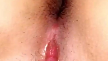 Amateur GF shows her tight pussy closeup from her POV