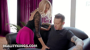 Athena Palomino Johnny Goodluck - Stretch Me - Reality Kings