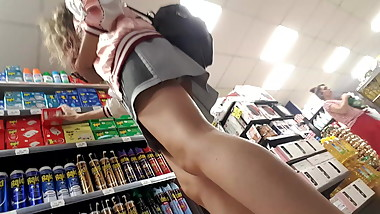 upskirt short skirt girl sexy ass