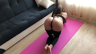 Yoga girl receive rough anal fuck during training. HD
