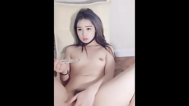 Beauty masturbation show peeing all squirting is very tempting