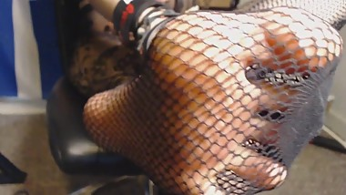 HD EXTREME Closeup Feet and Painted Toes in Fishnets