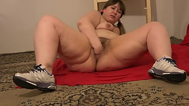 beautiful bbw with hairy pussy, fuck yourself with a hand, deep fisting