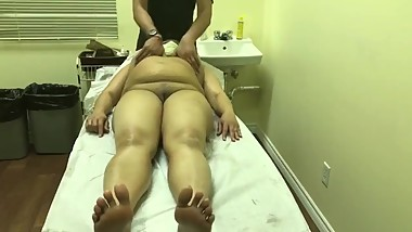 Mature Indian MILF Getting Massage Then Hardcore Fucking